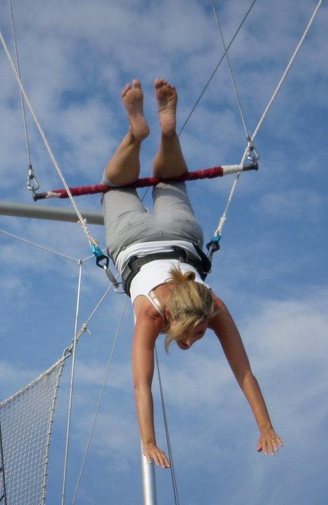 Jan Schroder on trapeze