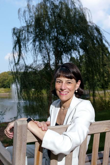 Veronica Stoddart